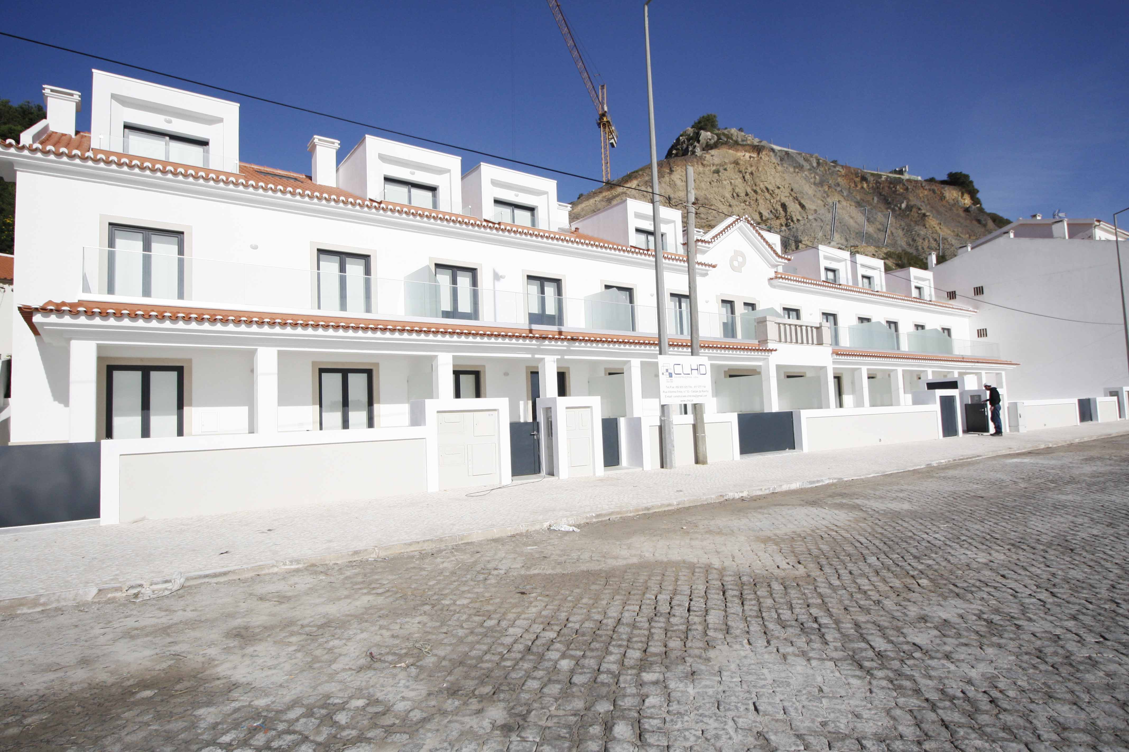 10-cais-sao-martinho-porto-silver-coast-new-buil-construction-portugal-for-sale
