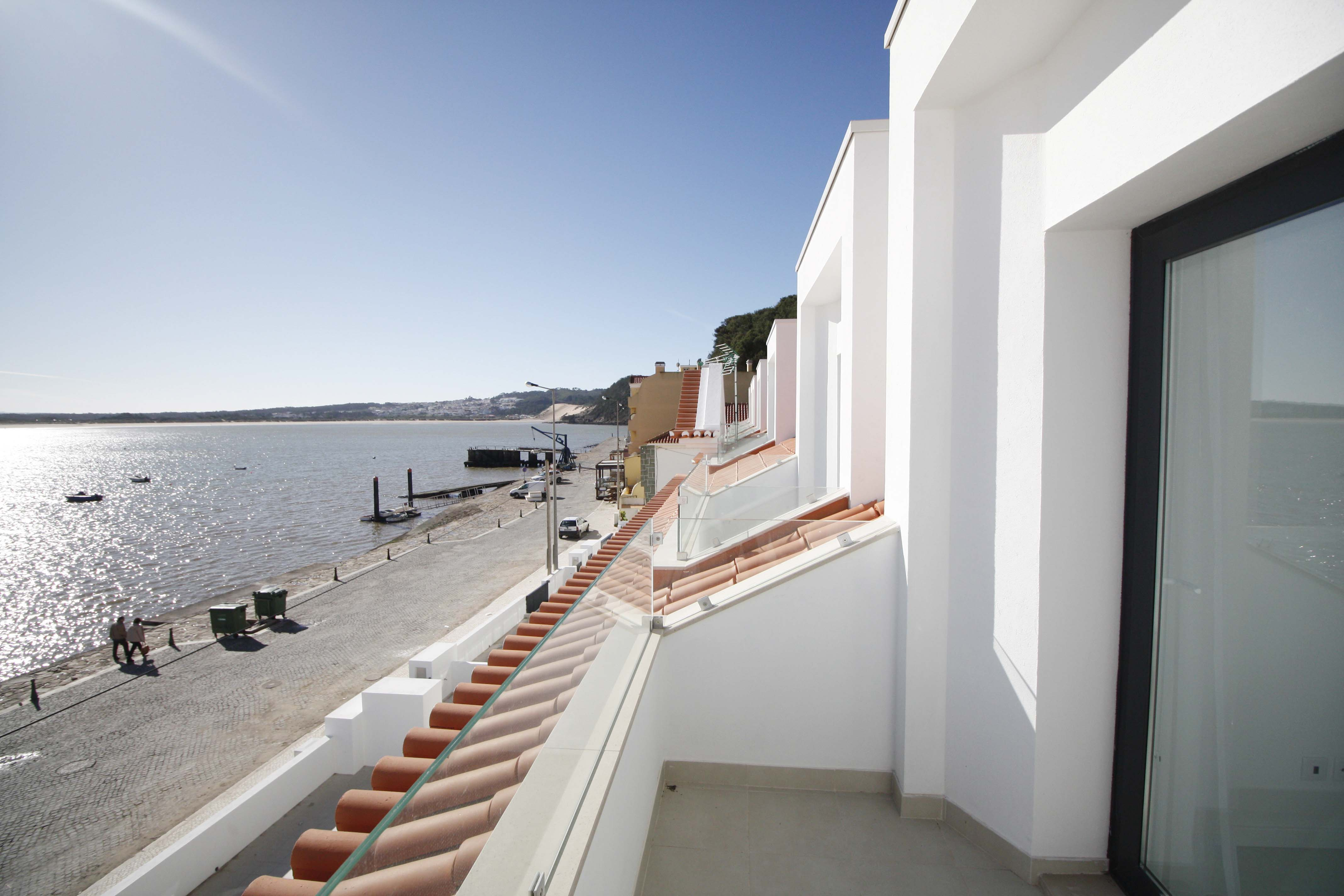 14-cais-sao-martinho-porto-silver-coast-new-buil-construction-portugal-for-sale