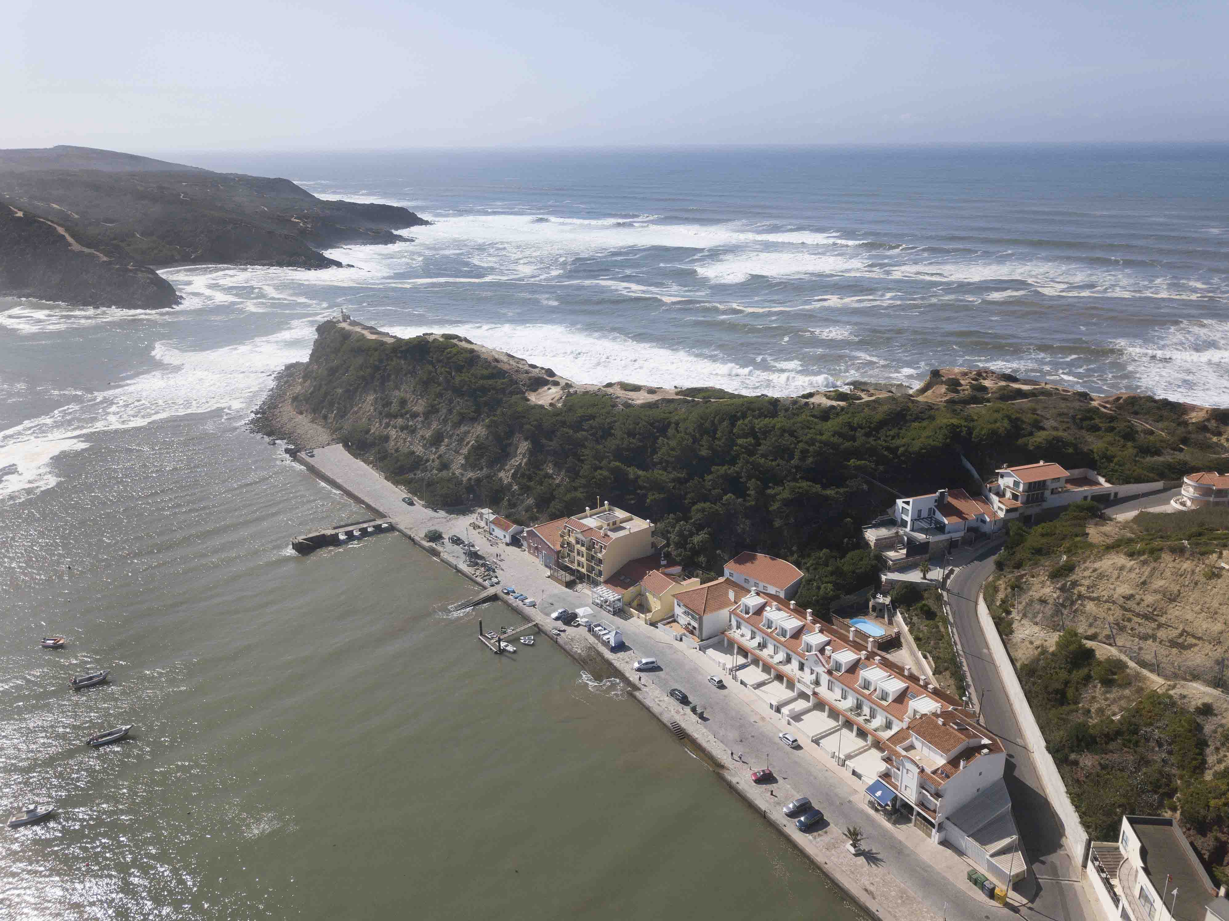 24-cais-sao-martinho-porto-silver-coast-new-buil-construction-portugal-for-sale