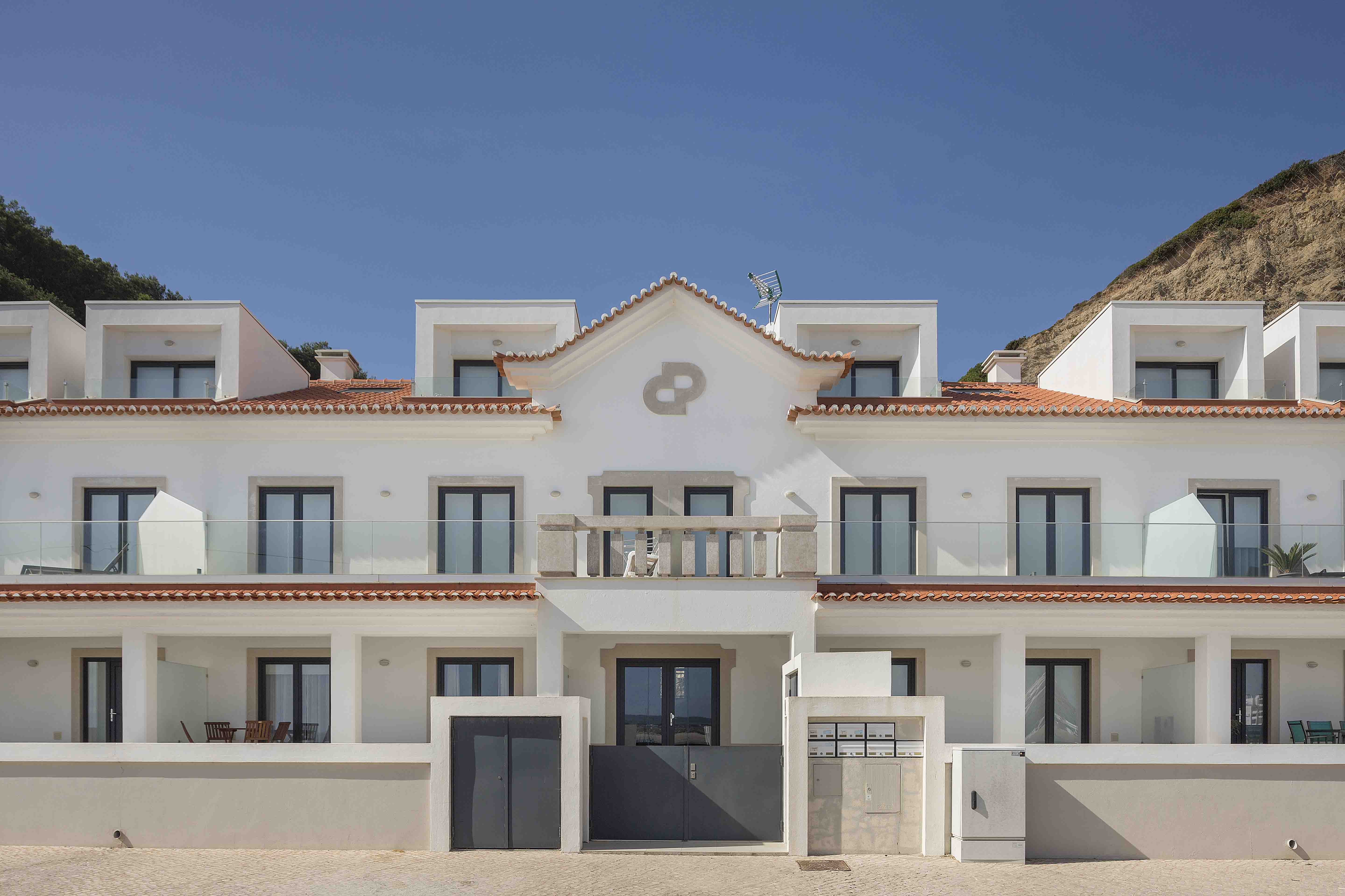 28-cais-sao-martinho-porto-silver-coast-new-buil-construction-portugal-for-sale